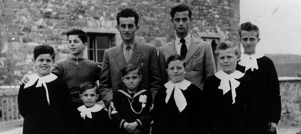 Raduno dei bambini ospiti della colonia di Preggio tra il 1949 e il 1963
